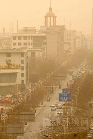 空氣污染與黃沙飛舞的中國